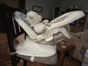 I LOVED the reclining feature! This definitely will be helpful for some bottle feedings (Iu0027m thinking ahead to 2 children and me with only 2 hands!) ... & First Years Deluxe Reclining Feeding Seat Review + GIVEAWAY ... islam-shia.org
