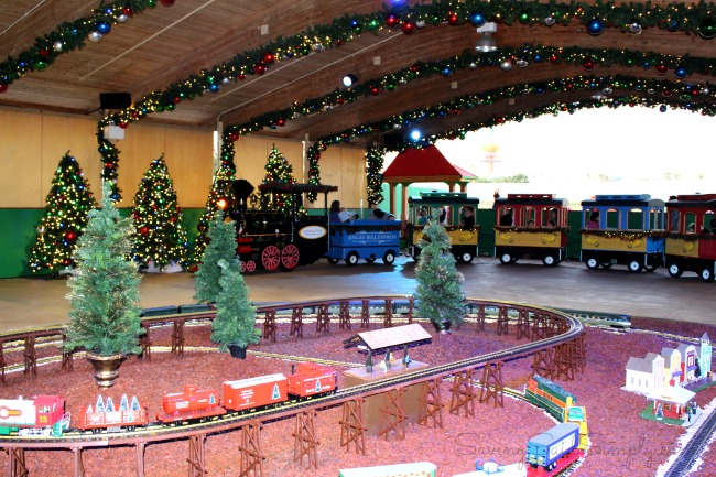 Our 10 Favorite Busch Gardens Christmas Town Moments