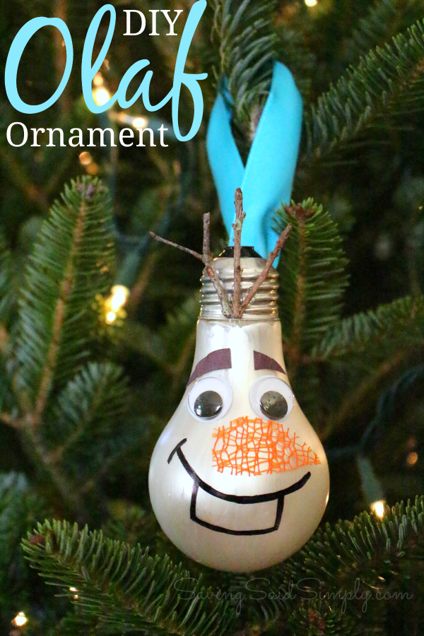 DIY Olaf ornament This DIY Olaf Christmas craft is the perfect diy Christmas ornament craft for Disney fans. Do you have a Frozen fan in the house? Create this ornament for them and make them smile. #Craft #DIY #ChristmasCraft #DIYOrnament