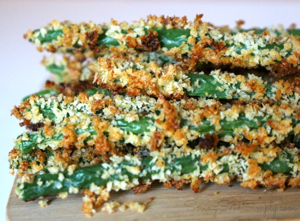 Green beans appetizer Crispy baked green beans recipe perfect for an appetizer or for a great side dish for dinner. #Recipe #Appetizer