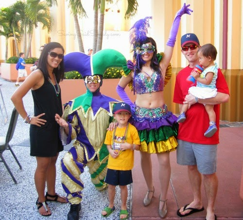 Universal Orlando Discounts and Deals. LAST UPDATE: 11/22/18 If you're looking for Universal Orlando discounts, this is the right place! Universal Orlando includes two major theme parks: Universal Studios Florida and Islands of Adventure, plus a beautiful water park: Volcano Bay.