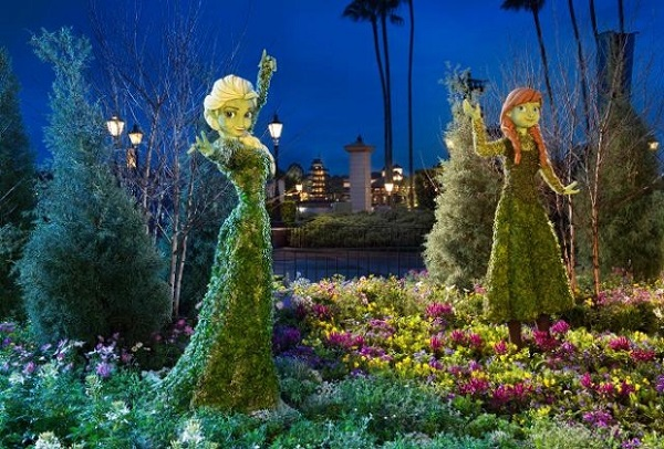 Anna and Elsa topiaries night
