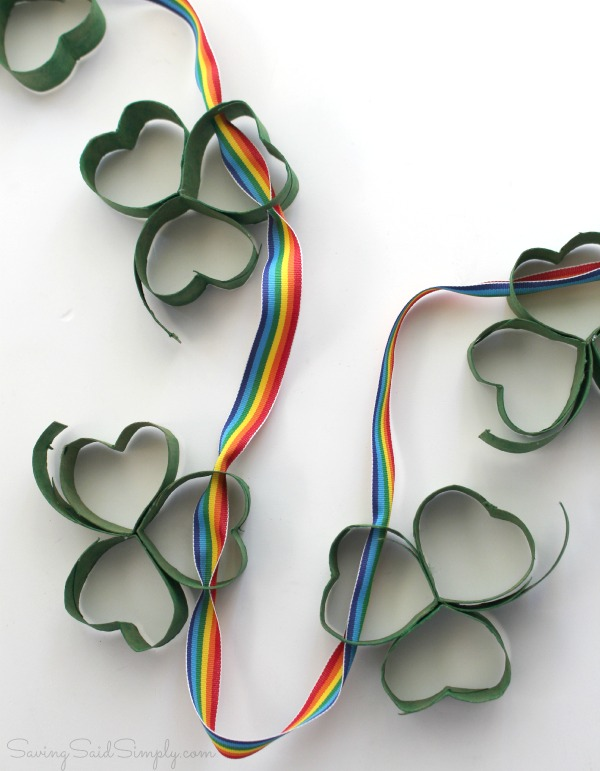 Shamrock garland craft
