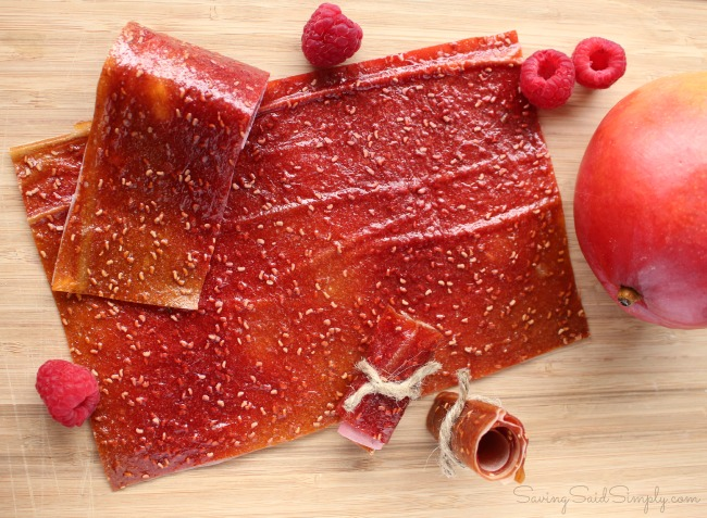 Diy fruit leather mango berry Easy DIY Fruit Leather | Produce for Kids is Feeding America - Make this easy DIY fruit leather at home and find out how your family can give back. #Recipe #HealthyRecipe #Snacks