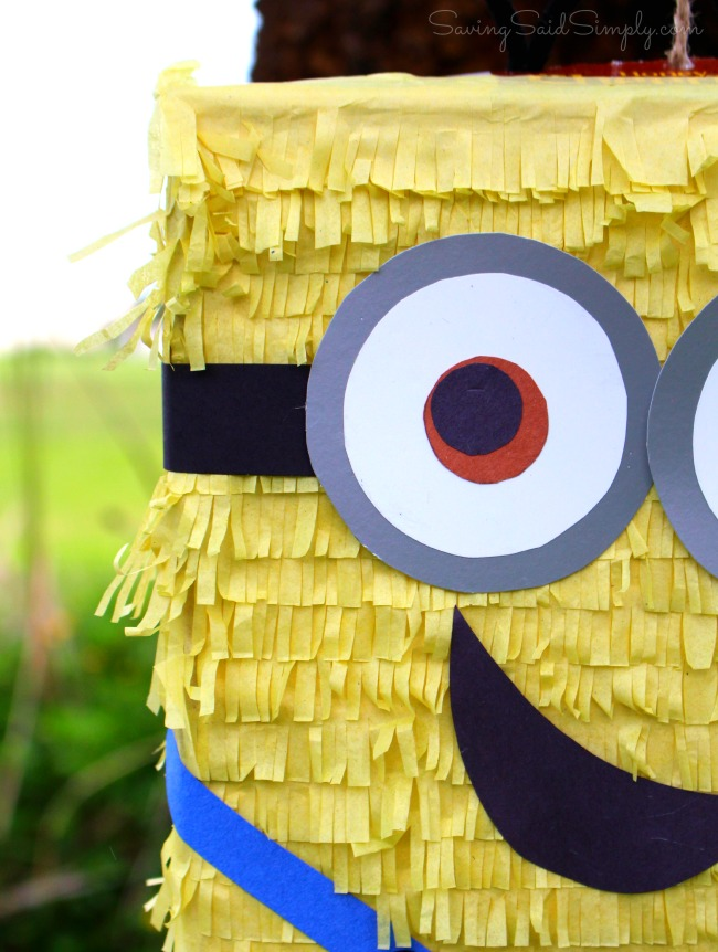 Easy minion pinata