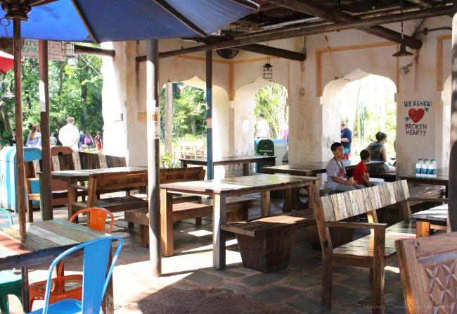 Harambe market shade