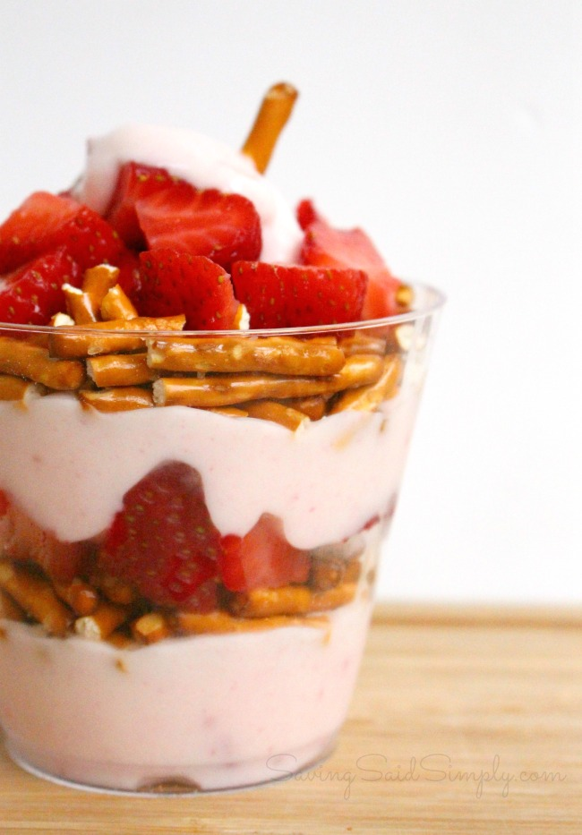 Strawberry Pretzel Parfait Recipe | Perfect Afternoon Snack - This Sweet & Salty Parfait is perfect for an afternoon snack. Kid approved #SnackRecipe #Recipe #HealthyRecipe