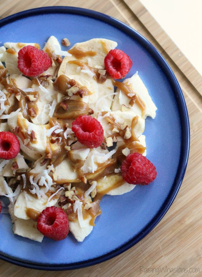 Apple nachos recipe Apple Chip Nachos Recipe | Power Your Lunchbox Pledge - a healthy twist on a classic munchie is perfect for an after school snack. Gluten free, dairy free #Recipe #GlutenFree #DairyFree #HealthyRecipe #Snack
