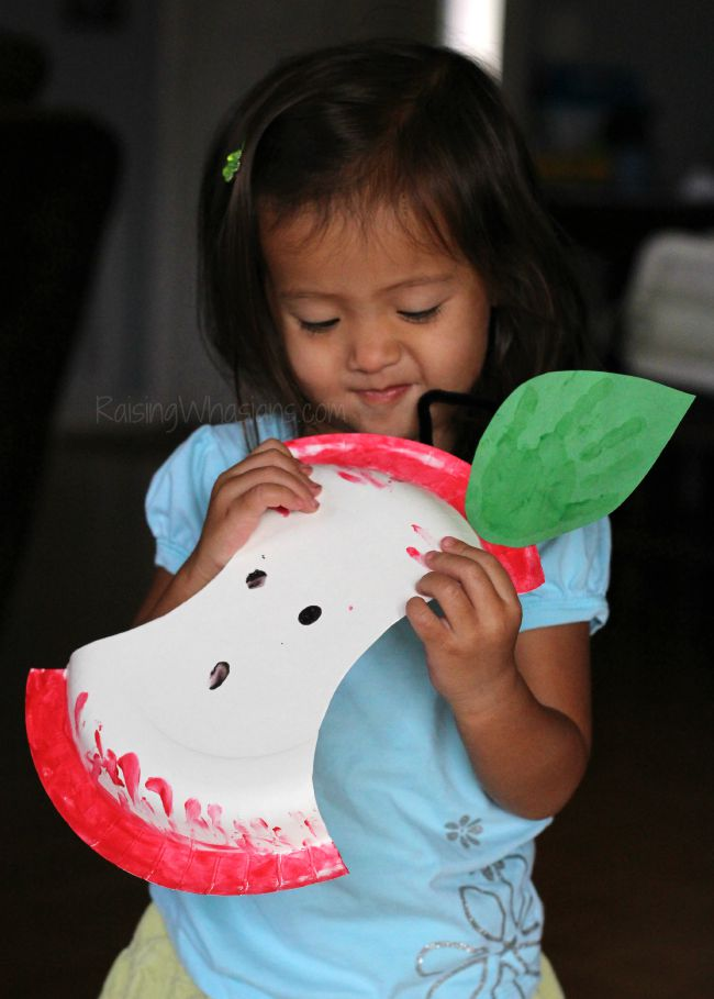 Apple toddler craft