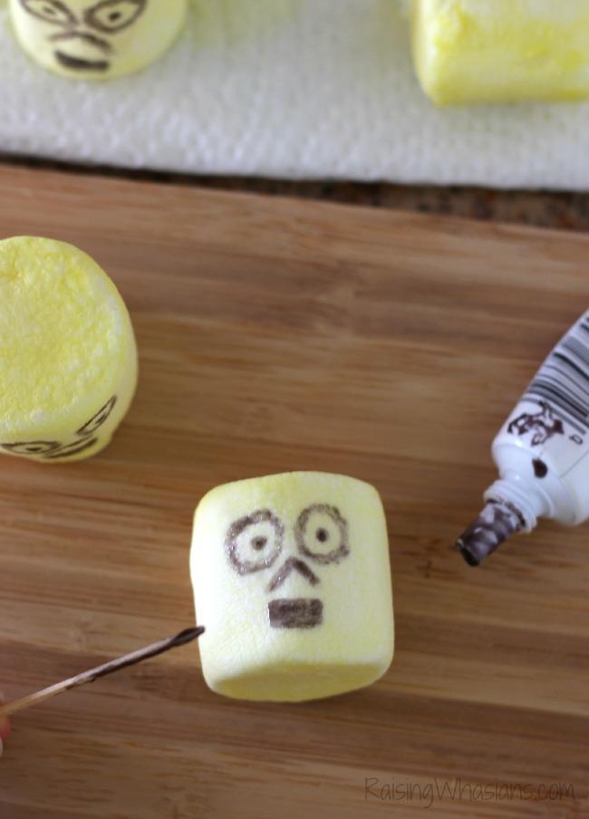 DIY C-3PO marshmallows