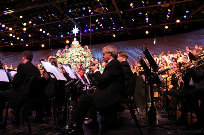 Walt Disney world candlelight processional 2015