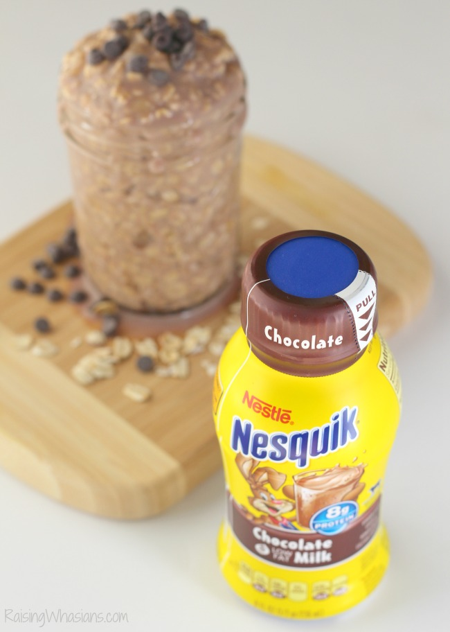 Banana Chocolate Overnight Oats for busy school mornings | Make this delicious and easy Banana Chocolate Overnight Oats recipe to fuel your child #Recipe #BreakfastRecipe