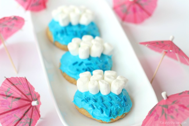 Fun kids cookies idea Gluten Free April Showers Cookies Recipe | Celebrate a rainy day with these adorable and easy to make gluten free sugar cookies! FUN hands on kids activity #GlutenFree #Recipe #Dessert