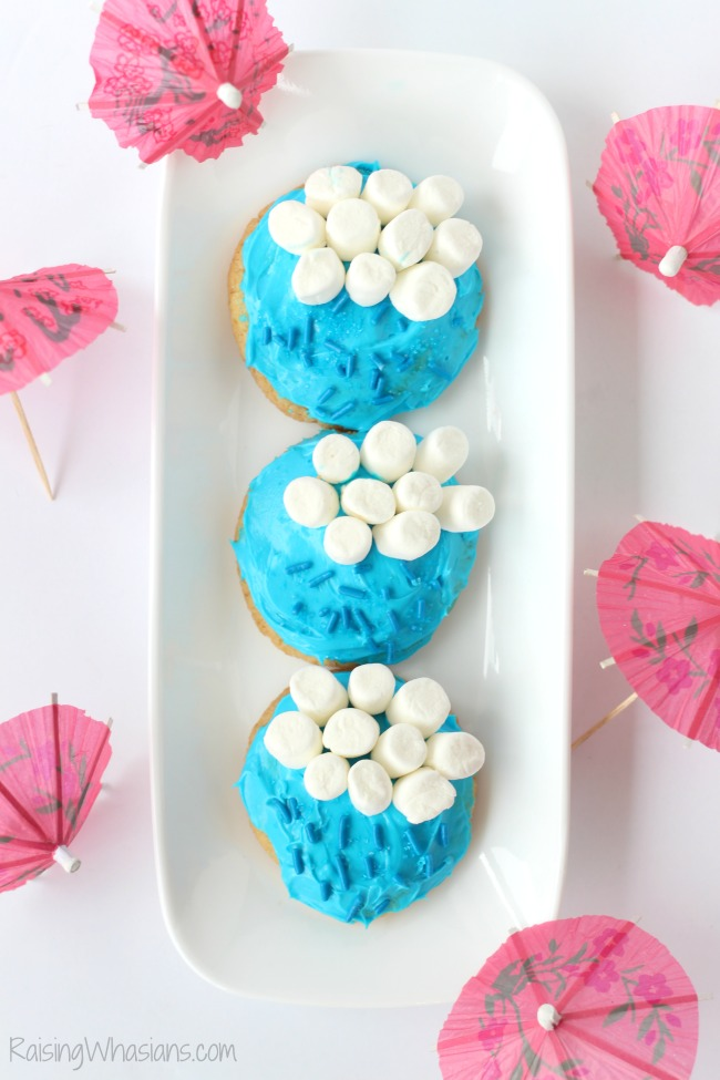Rain cookies Gluten Free April Showers Cookies Recipe | Celebrate a rainy day with these adorable and easy to make gluten free sugar cookies! FUN hands on kids activity #GlutenFree #Recipe #Dessert