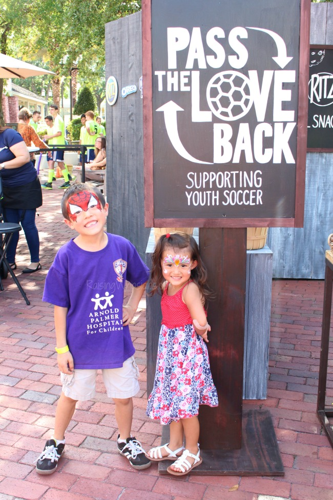 Pass the love back Orlando event