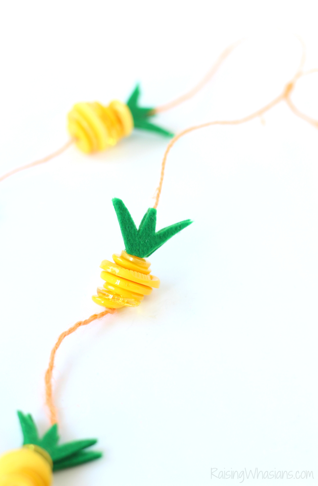 Pineapple button craft