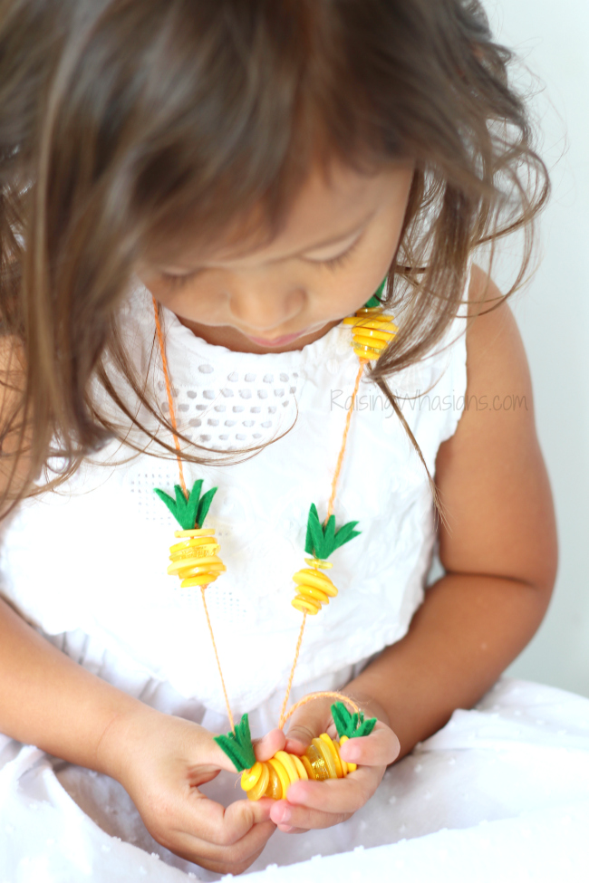 Pineapple necklace craft