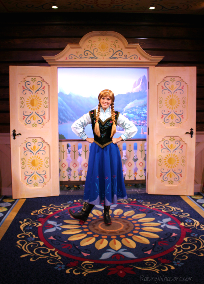 Where to take pictures with Anna and Elsa