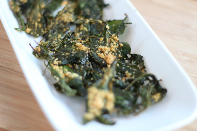 Crispy Kale Chips with Garlic & Parmesan | Tips on making the crunchiest kale chips + recipe for Easy Kale Chips with garlic & Parmesan cheese #Recipe #Appetizer