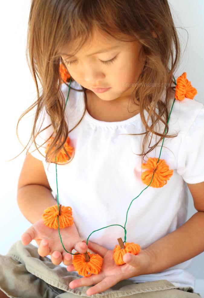Yarn pumpkin necklace