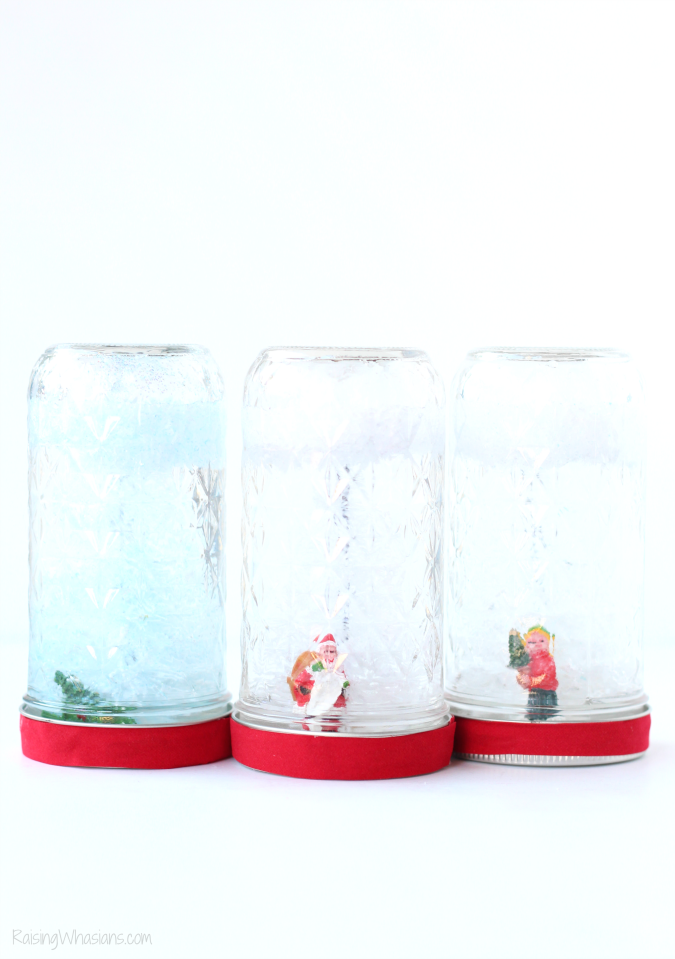 Mason jar holiday snow globe craft