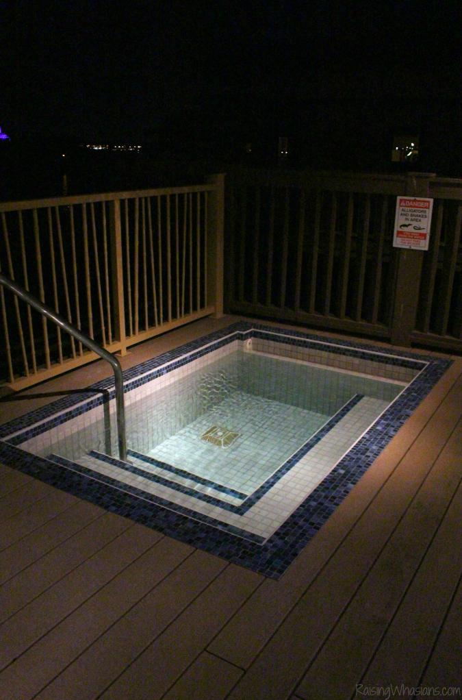 Polynesian bungalows pool