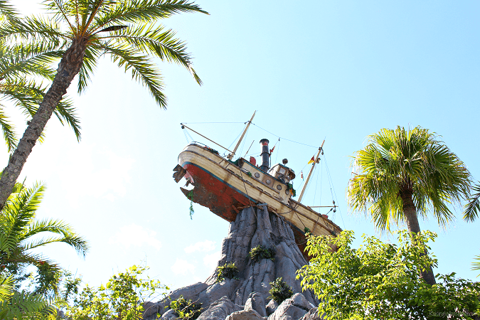 Family tips typhoon lagoon