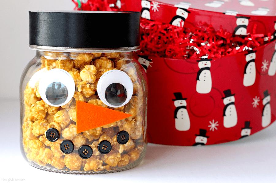 DIY popcorn snowman jar