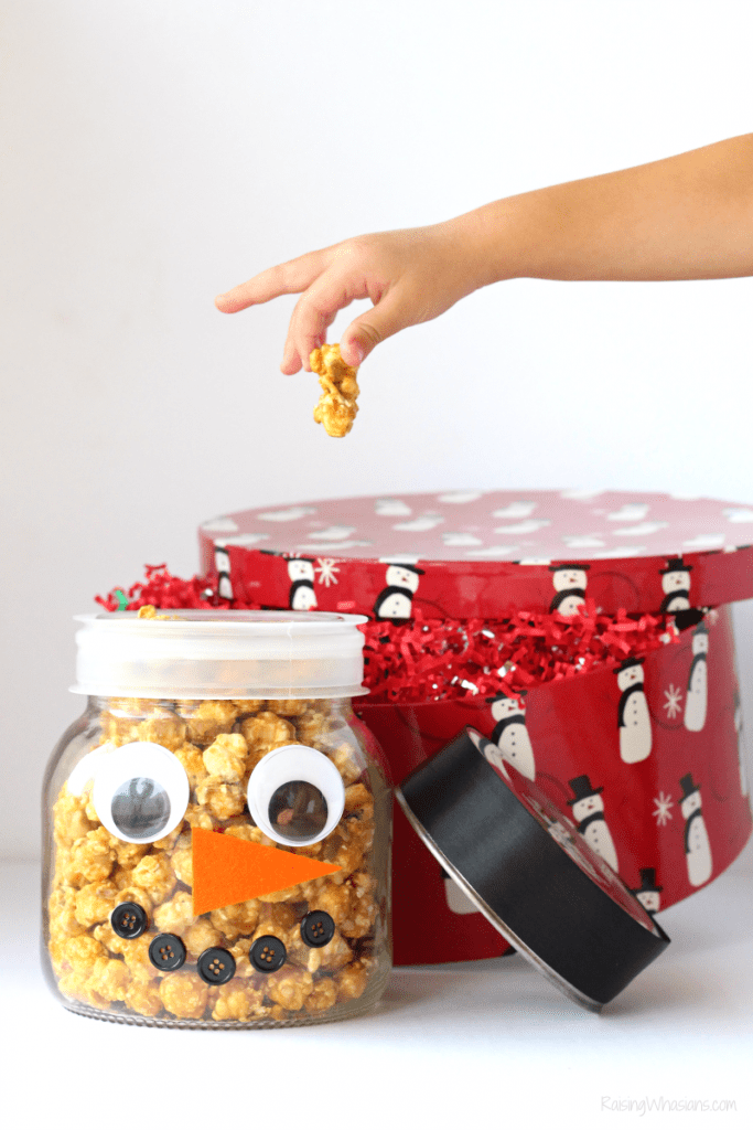 Easy diy Christmas popcorn gift