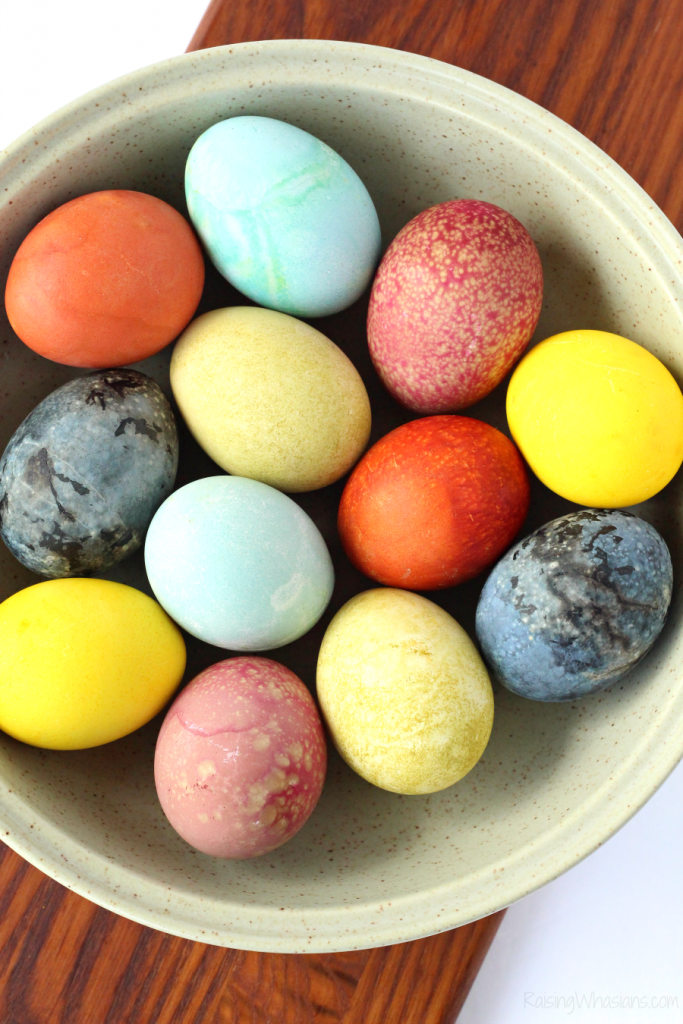 Easy natural Easter egg dyes
