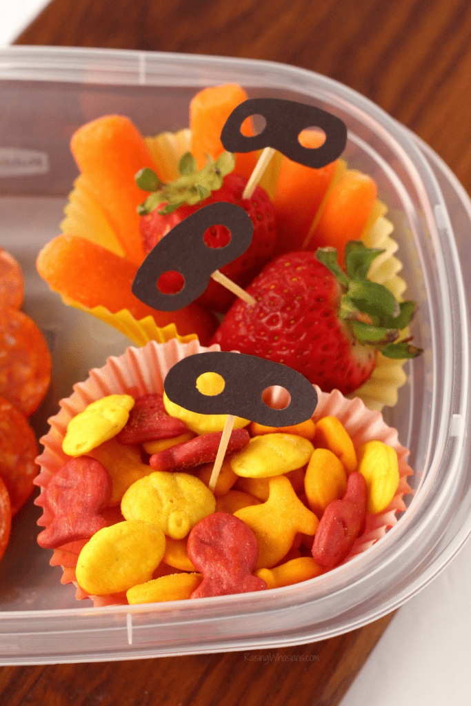 "Easy Incredibles 2 Bento Box Idea + ""Super"" Cute Food Picks 