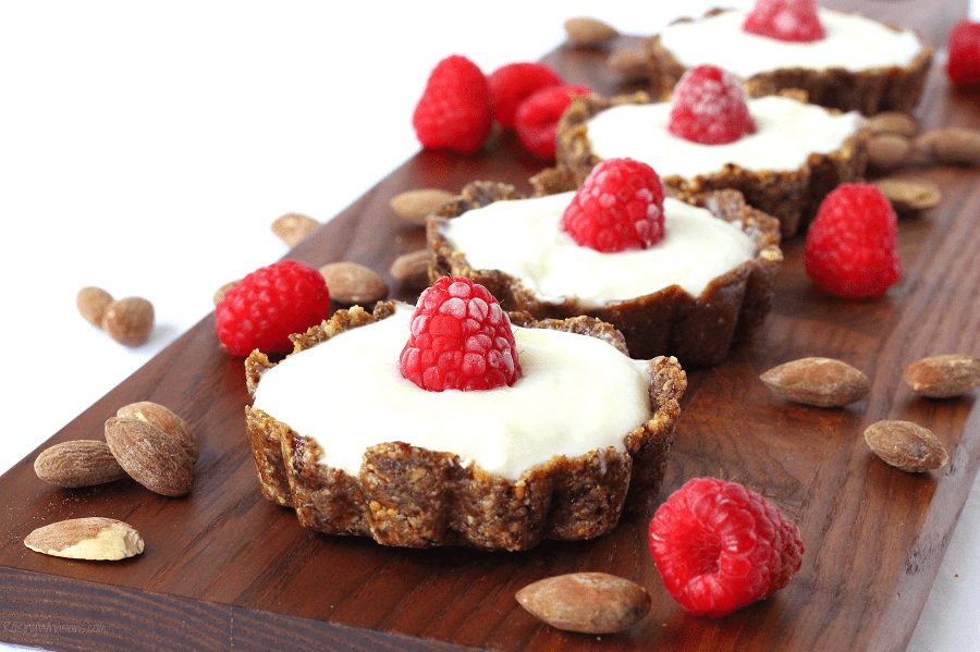 Healthy breakfast tarts Busy morning with kids? Make Easy Yogurt Tarts for a Quick Breakfast Idea! Healthy meal for last minute back-to-school mornings #Breakfast #HealthyRecipe #Recipe