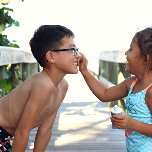 Tips to get kids to wear sunscreen