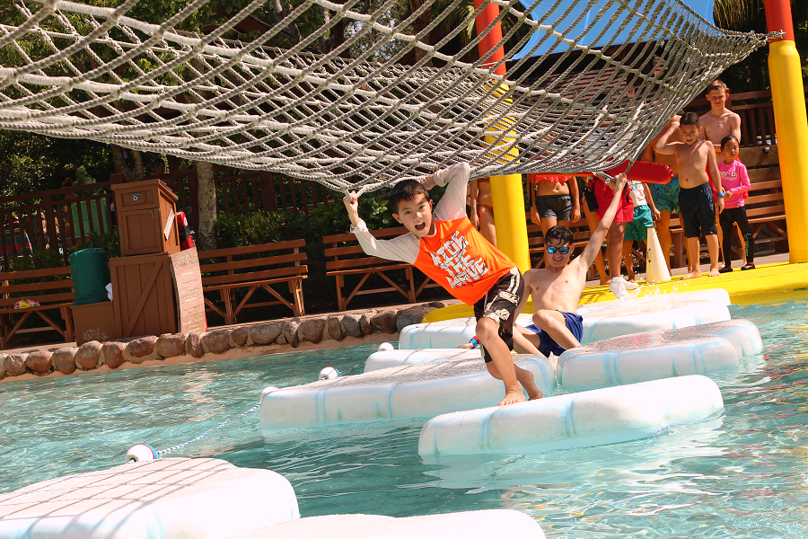 Blizzard beach tips family