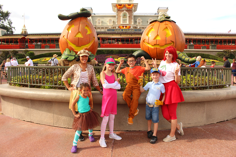 Disney Halloween Party Costume Ideas.How To Make The Most Of Mickey S Not So Scary Halloween Party 2018