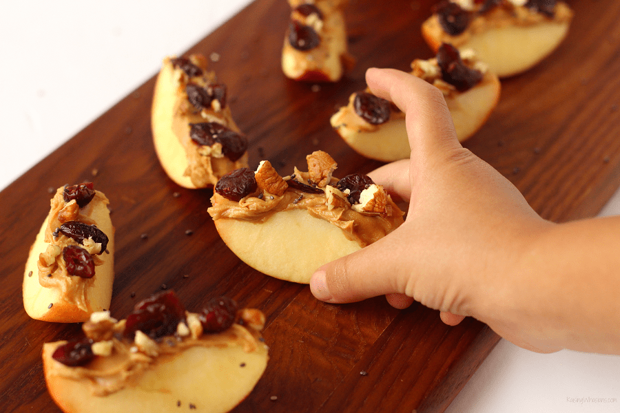 Looking for an easy, healthy snack idea? Try these Kid-Approved Apple Bites with sweet fall flavors & protein packed! Allergy-friendly snacks #Snack #AllergyFriendly #HealthySnack #Recipe