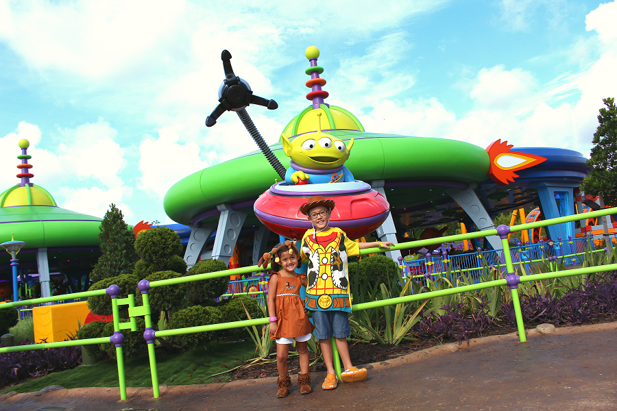 Kids toy story land costume ideas