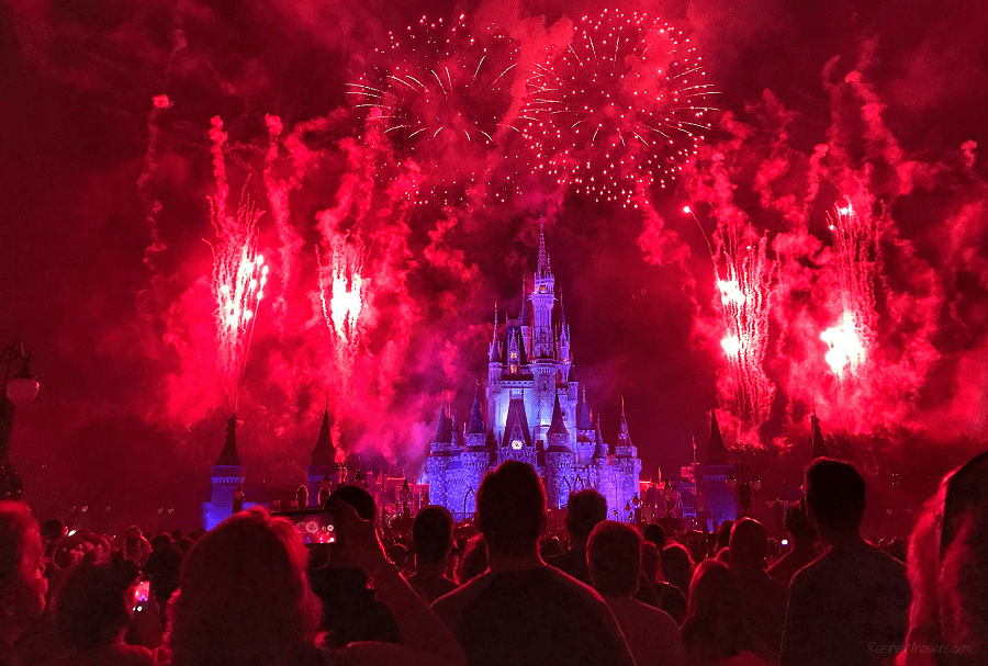 Holiday wishes fireworks show 2018