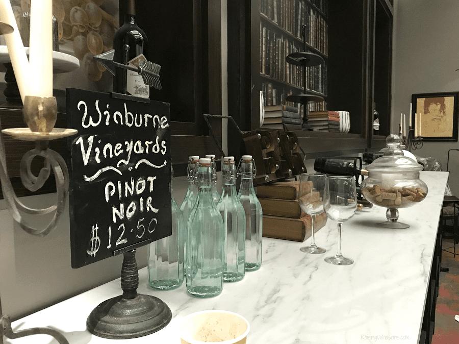 Poppy's winebrary set