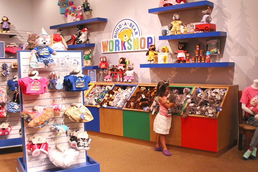 Great wolf lodge build a bear