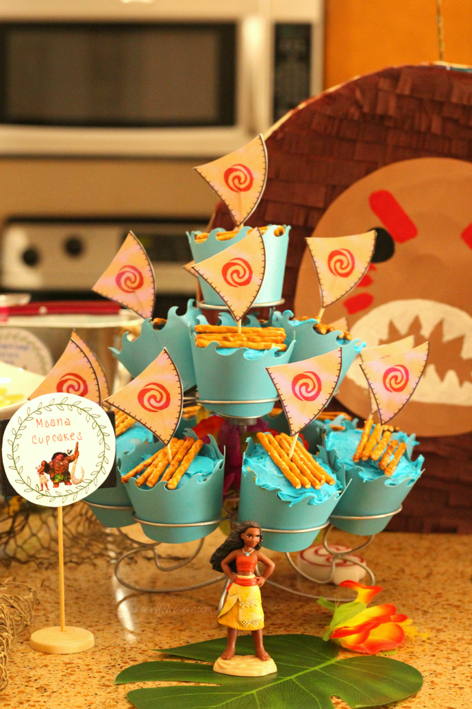 Easy Moana Cupcakes With Free Printable Toppers Raising