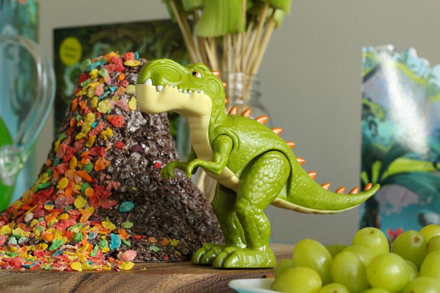 Gigantosaurus play date