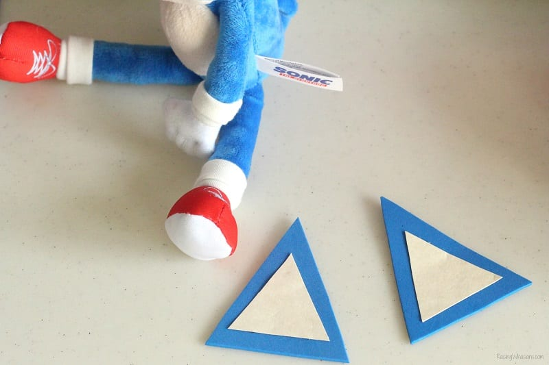 How to make a sonic the hedgehog hat